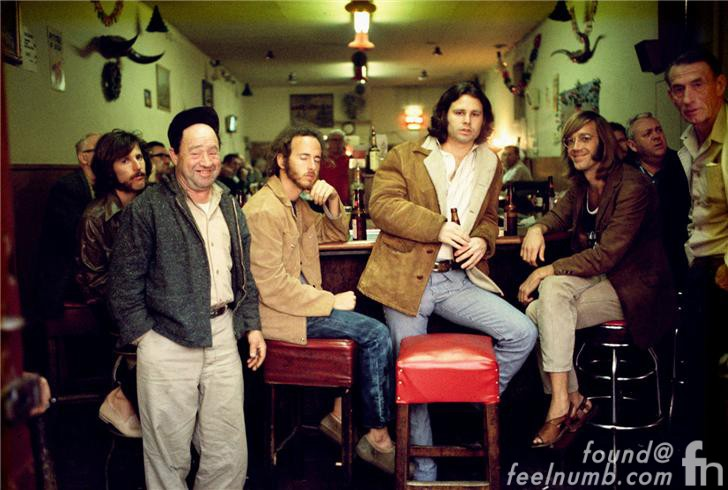 the-doors-hard-rock-cafe-jim-morrison-bar-morrison-hotel